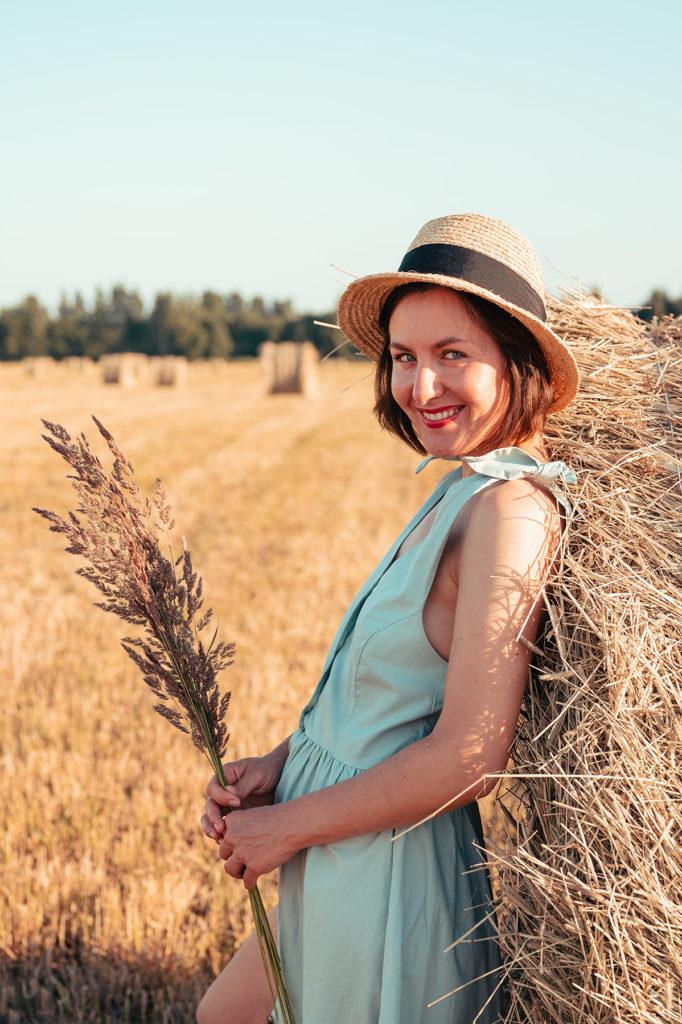 женский портрет фотосессия в поле вячеслав чернов